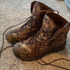 under armor boots men's size 11